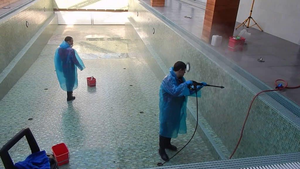 Дезинфекция бассейнов, бань и саун